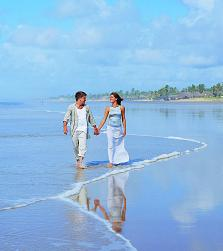 Simply imagine walking on such an impecable beach, and you may well imagine yourself in the Bahia State of Brazil